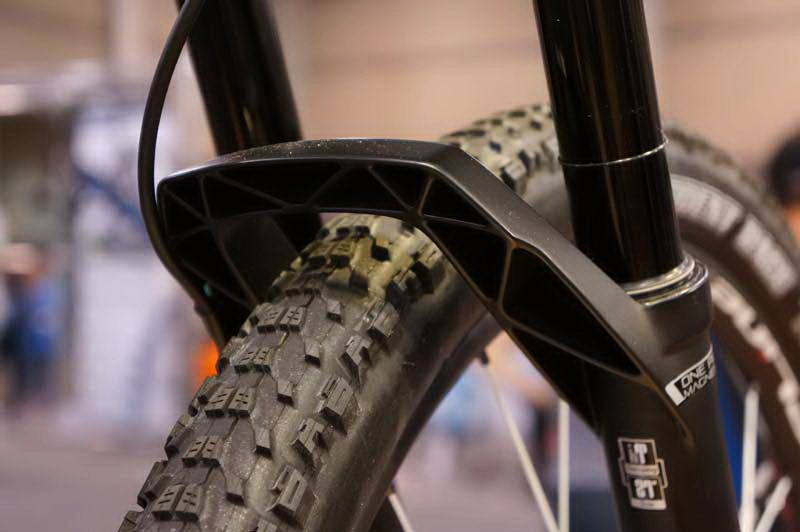 http://www.test.rowery650b.eu/images/stories/news/2014/dt_opm/DT-Swiss-2015-single-shot-suspension-fork-updates-07.jpg