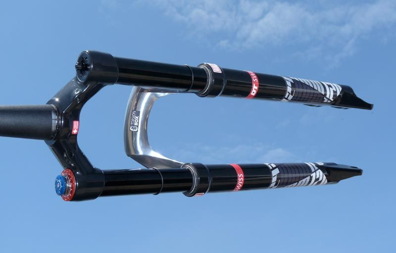 soc2011-dt-swiss-xmm720-29er-suspension-fork02