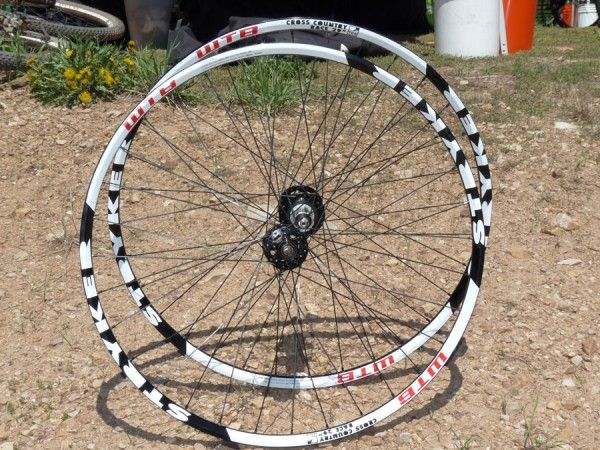 wtb-stryker-all-mountain-wheelset-26-29er01-600x450